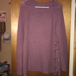 Sweaters - Laced and tied sweater